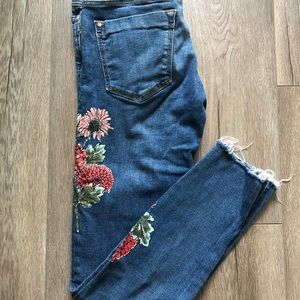 Jeans with floral patterns from Zara Basic
